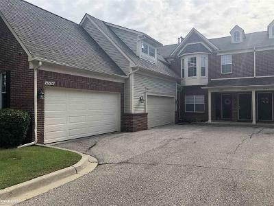 Sterling Heights Condo/Townhouse For Sale: 43186 Pendleton Cir