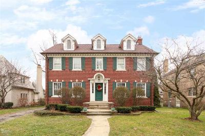 Grosse Pointe Park Single Family Home For Sale: 1340 Kensington Ave