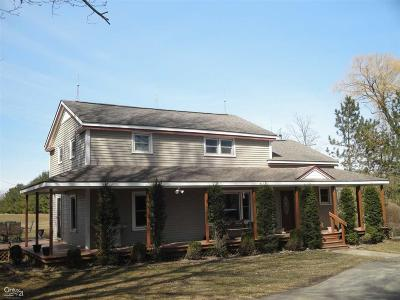 Lapeer Single Family Home For Sale: 5340 Bishop