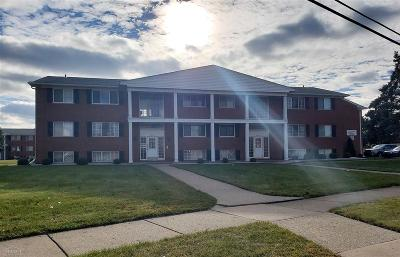 Sterling Heights Condo/Townhouse For Sale: 8210 Crestview Dr