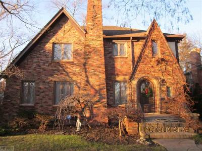 Grosse Pointe Park Single Family Home For Sale: 883 Westchester