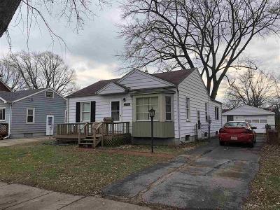 Saint Clair Shores Single Family Home For Sale: 23718 Deziel