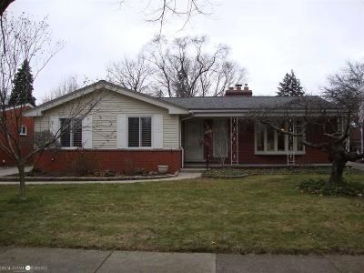 Grosse Pointe Woods Single Family Home Pending: 632 Anita