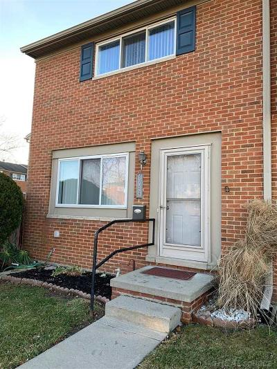 Macomb Condo/Townhouse For Sale: 25937 Salem