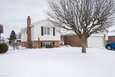 Sterling Heights Single Family Home For Sale: 38752 Sutton Dr