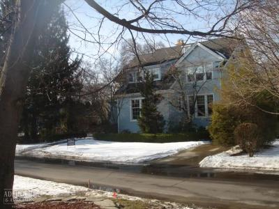 Grosse Pointe Park Single Family Home For Sale: 879 Ellair Place