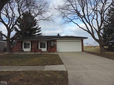 Sterling Heights MI Single Family Home For Sale: $224,900