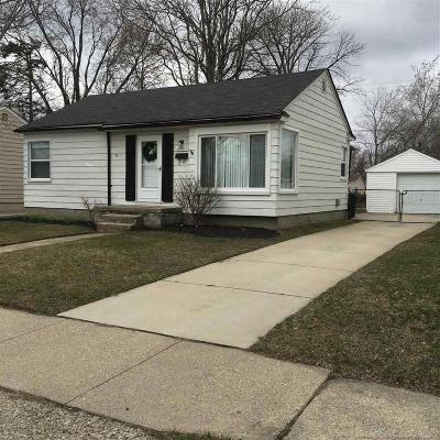 Saint Clair Shores Single Family Home For Sale: 28011 Nieman