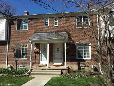 Saint Clair Shores Condo/Townhouse For Sale: 23012 Gary Lane