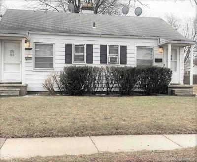 Macomb Multi Family Home For Sale: 7248 Standard