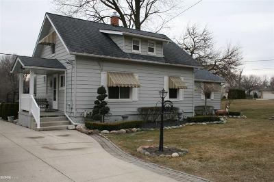 Fraser Single Family Home For Sale: 15510 14 Mile