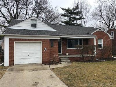 Saint Clair Shores Single Family Home For Sale: 28312 Hughes