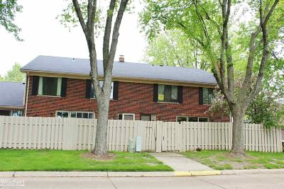 Clinton Township Condo/Townhouse For Sale: 42513 Eldon Cir.