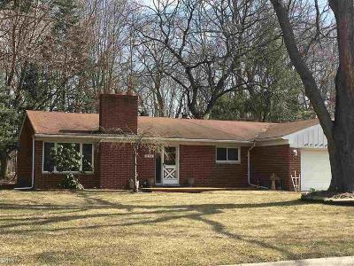 Harrison Twp Single Family Home For Sale: 35164 Dumbarton
