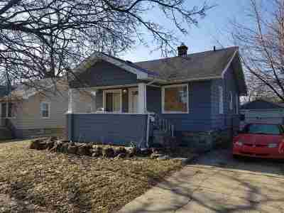 Flint Single Family Home For Sale: 2537 Tyrone St