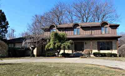 Flint Single Family Home For Sale: 1207 Woodkrest Drive