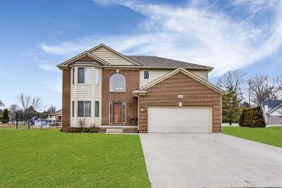 Richmond Single Family Home For Sale: 67963 Pinewood Lane