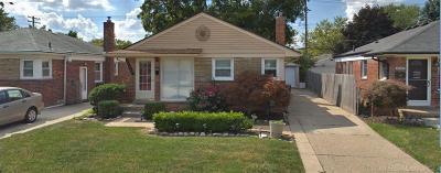 Saint Clair Shores Single Family Home For Sale: 29919 Taylor