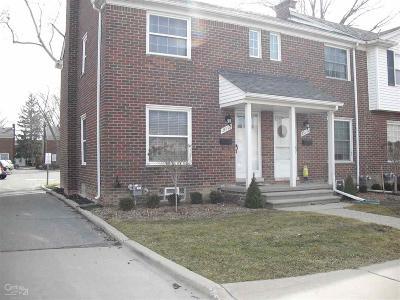 Saint Clair Shores Condo/Townhouse For Sale: 23112 Marter
