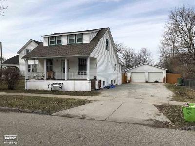 Marine City  Single Family Home For Sale: 223 N Mary