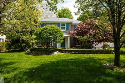 Grosse Pointe Park Single Family Home For Sale: 1020 Devonshire Rd