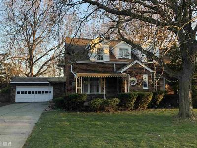 Macomb Multi Family Home For Sale: 14844 Shirley
