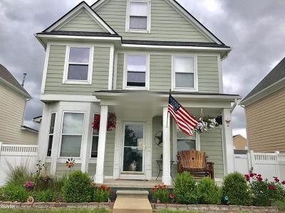 New Haven Single Family Home For Sale: 32239 E Cranston St.
