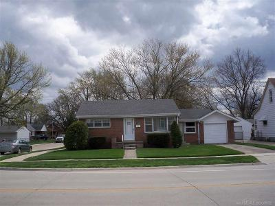 Eastpointe Single Family Home For Sale: 17140 Stephens