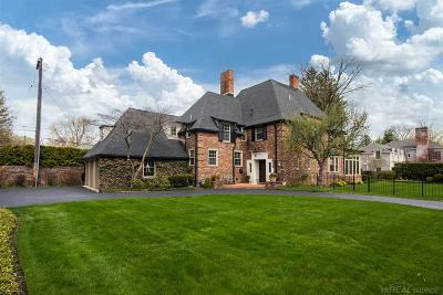 Grosse Pointe Farms Single Family Home For Sale: 42 Hendrie Lane