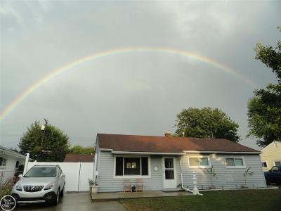 Roseville Single Family Home For Sale: 26656 Dale