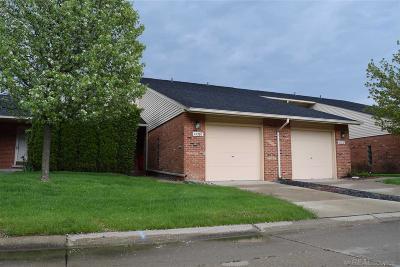 Clinton Township Condo/Townhouse For Sale: 42280 Lochmoor