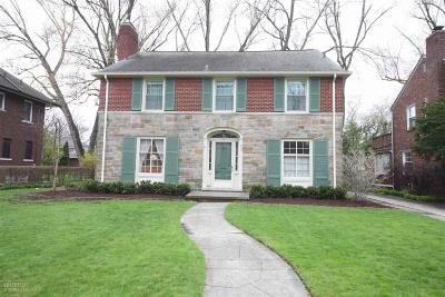 Grosse Pointe Park Single Family Home For Sale: 913 Bedford