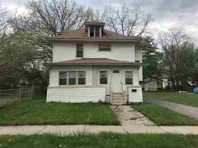 Pontiac Single Family Home For Sale: 86 S Roselawn St