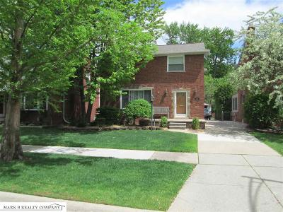 Grosse Pointe Woods Single Family Home For Sale: 1912 Prestwick