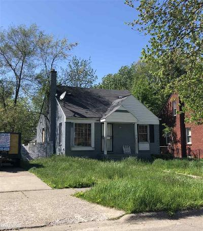 Detroit Single Family Home For Sale: 11917 Roxbury St