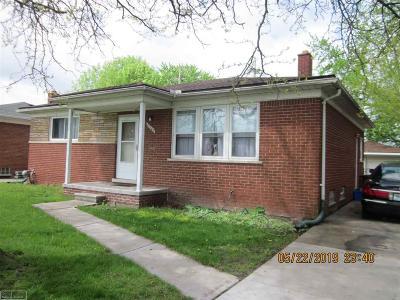 Saint Clair Shores Single Family Home For Sale: 27705 Rockwood