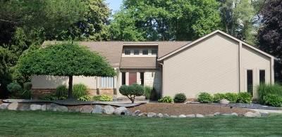 Oakland Single Family Home For Sale: 6464 E Almond Lane
