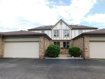 Shelby Twp Condo/Townhouse For Sale: 49370 Mayflower Ct.
