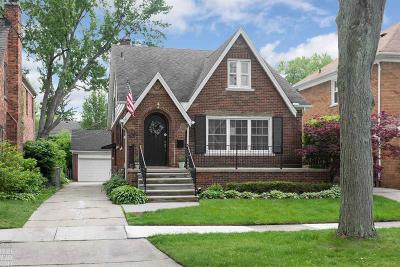 Grosse Pointe Farms Single Family Home For Sale: 409 Calvin Ave