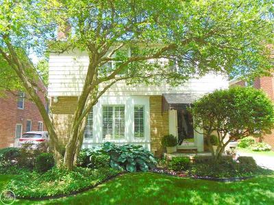 Grosse Pointe Woods Single Family Home For Sale: 1660 Littlestone