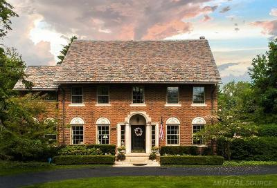 Grosse Pointe Shores Single Family Home For Sale: 50 Lochmoor