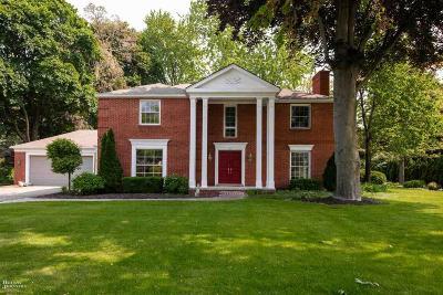 Grosse Pointe Shores Single Family Home For Sale: 60 Stonehurst