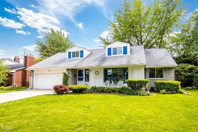 Grosse Pointe Woods Single Family Home For Sale: 477 Cook Road