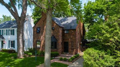 Grosse Pointe Farms Single Family Home For Sale: 128 Meadow Lane
