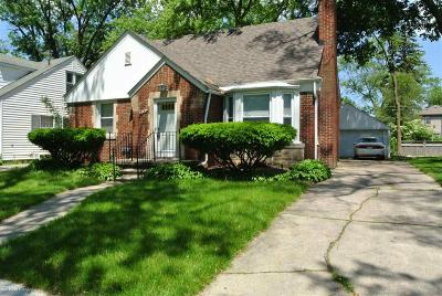 Huntington Woods Single Family Home For Sale: 10534 Lasalle