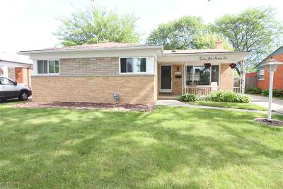 Warren Single Family Home For Sale: 12931 Champaign Ave