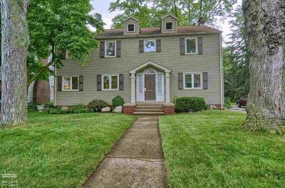 Royal Oak Single Family Home For Sale: 1038 Oakridge