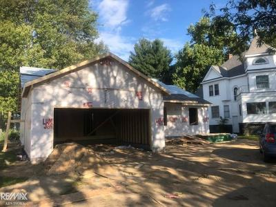 Algonac Single Family Home For Sale: 1741 Saint Clair River
