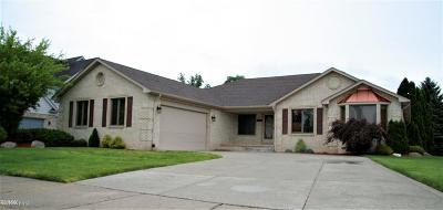 Clinton Township Single Family Home For Sale: 35950 Monterey