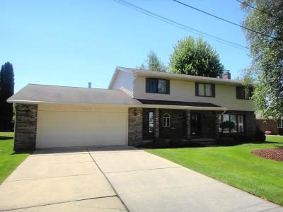 Algonac Single Family Home For Sale: 7373 Flamingo
